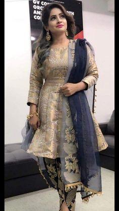 Party dress in pakistan india trendy Ideas Indian Gowns Dresses, Indian Fashion Dresses, Pakistani Dresses, Indian Outfits, Stylish Dresses For Girls, Stylish Dress Designs, Nice Dresses, Women's Dresses, Long Dresses