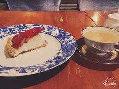 라리 딸기치즈케이크