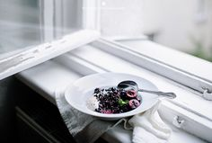 Cardamom infused black rice porridge