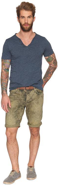 farbige Bermuda für Männer (unifarben, mit Knopfleiste) aus Canvas mit leichtem Stretch-Anteil, mit starker Acid-Waschung für den Used-Look, krempelbare Beinsäume für einen lässigen Stil. Material: 99 % Baumwolle 1 % Elasthan...