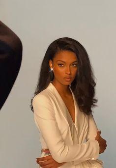 Beautiful Black Girl, Pretty Black Girls, Maquillage Black, Curly Hair Styles, Natural Hair Styles, Black Girl Aesthetic, Black Girls Hairstyles, Black Girl Magic, Pretty Face