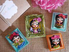 Mini cuadrito Frida (Broche o imán)                                                                                                                                                                                 Más