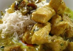 Pollo al curry con leche de coco e higos secos