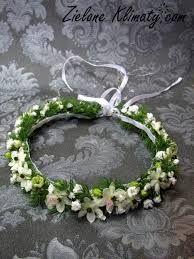 Znalezione obrazy dla zapytania wianek na komunie z kwiatów żywych Celtic Wedding, Irish Wedding, Dream Wedding, Wedding Streamers, Circlet, Floral Headbands, Hair Ornaments, Hobbies And Crafts, Flower Power