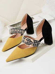Contrast Color Line-Style Buckle Heels Cute Shoes, Me Too Shoes, Shoe Boots, Shoes Sandals, Fashion Magazin, Designer Heels, Beautiful Shoes, Fashion Shoes, High Heels