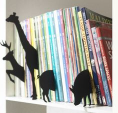 Cute! Organize Your Kids' Books With Animal Dividers!
