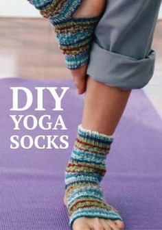 Find your zen with these knitted Yoga Socks. Christmas presents? Crochet Socks, Knit Or Crochet, Knitting Socks, Knitting Patterns Free, Knit Patterns, Free Knitting, Free Pattern, Knitting Projects, Crochet Projects