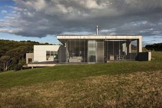 Park Point House by Vaughn McQuarrie Architecture & Design | HomeDSGN, a daily source for inspiration and fresh ideas on interior design and...