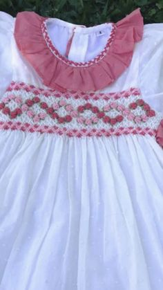 Smocked Baby Dresses, Little Girl Dresses, Girls Dresses, Baby Girl Frocks, Frocks For Girls, Baby Girl Frock Design, Smocking Patterns, Heirloom Sewing, Cute Outfits For Kids