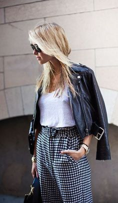 Stockholm Street-Style Photos From Mercedes-Benz Stockholm Fashion Week - Look de Pernille Stockholm Fashion Week, Stockholm Street Style, Fashion Moda, Fashion Trends, Net Fashion, Street Fashion, Winter Typ, Inspiration Mode, Looks Cool