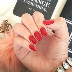 We are definitely RED-y for the weekend! Who's excited for the #weekend? #rednails :@coconutnailart http://ift.tt/2fC72w9