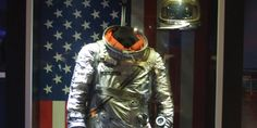 Mollett Early Spaceflight Gallery    Actual space suit worn by Wally Schirra on MA-8/Sigma 7.