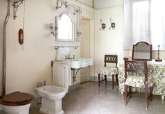 Chic in Italy: Villa Sola Cabiati (Habitually Chic) Lake Como Villas, Lake Como Italy, Clawfoot Bathtub, Chic Chic, Bathrooms, Furniture, Home Decor, Houses, Stylish