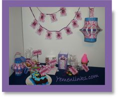 Pretty in Pink Eid Decorations - Free Printable Designed Eid Decorations. Each set has a different theme. Eid Crafts, Crafts To Do, Decor Crafts, New Kitchen Interior, New Kitchen Doors, Embroidery On Clothes, Hand Embroidery, Ramadan, Busy Images