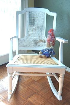 "I have a ""thing"" for vintage rocking chairs, and I'm kinda in love with this one ;-)"