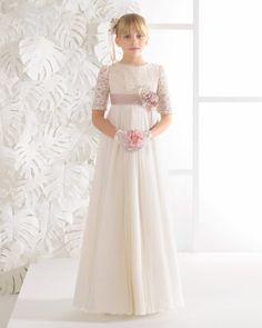 Vestido comunión vintage de tul plisado, en color marfil.