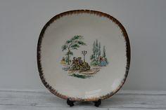 Vintage J & G Meakin Cake Plate / Serving Plate, Bois de Boulogne by TheVintageTeaShoppe on Etsy Vintage Cake Plates, Serving Plates, Vintage Tea, Beautiful Images, Decorative Plates, Etsy, Amp, Gold, Home Decor