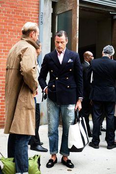ジャケットとジーンズメンズ着こなしdouble breasted jacket done right with the obligatory stubbs wootton slippers. tres chic! meanswear