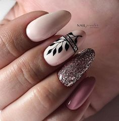 Semi-permanent varnish, false nails, patches: which manicure to choose? - My Nails Dream Nails, Love Nails, Nail Manicure, Diy Nails, Toe Nail Designs, Nails Design, Classy Nail Designs, Types Of Nails, Perfect Nails