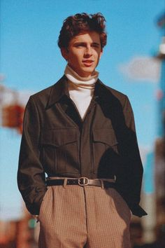 Fashion Timothee chalamet Fashion inspo Beautiful boys Mens fashion How to wear - Plz Help Plaited Trousers Sleeve Outer Fashion - Looks Street Style, Looks Style, Guy Style, Style Star, Beautiful Boys, Pretty Boys, Beautiful Pictures, Mode Outfits, Fashion Outfits