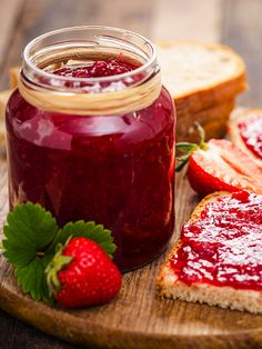 Romanian Food, Sweet Recipes, Jelly, Sweet Tooth, Food Photography, Strawberry, Food And Drink, Chutney, Homemade