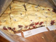 Cranberry Bars If you're from Wisconsin you have to love cranberries. This is one of my favorite bar recipes and it mixes up very fast and is sooo good. Fresh Cranberry Recipes, Cranberry Bars, Bar Recipes, Dessert Recipes, Desserts, State Foods, Good Food, Yummy Food, Fresh Cranberries