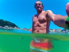 201/365 Ola de calor / July 20, 2015  Seguimos con la ola de calor este lunes 20 de julio. No se me ocurre mejor lugar a mediodía que escaparme a la playa de la concha y meterme corriendo en el agua. Aquí sí que se está bien.