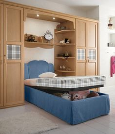headboard+storage+ideas | ... Awesome and Delightful Teen Bedroom Design with Lift Top Storage Bed