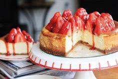 New York Vanilla Bean Cheesecake with Fresh Strawberries