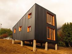 estudioforma - Arquitectura - Diseño y Construcción en madera Urban Design, Modern Design, Tiny Container House, Container Homes, Steel Framing, Shipping Container Home Designs, Parker House, Steel House, Metal Homes