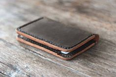 With its compact design, the leather credit card wallet is good to fit in your front pocket, and multiple pockets and slots hold your essentials in style.