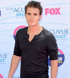2012 Teen Choice Awards red carpet arrival pics: Paul Wesley