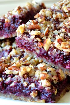 Blackberry Pecan Crumble Bars via The View from the Great Island #summer #comfort