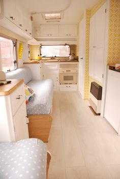 Part two of my caravan makeover. This time I'm concentrating on the flooring. Be gone, tatty old carpet — hello lovely laminate flooring from Carpetright!