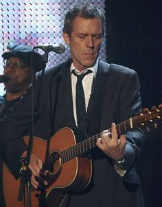 Hugh Laurie playin' the blues