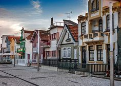 'Venice of Portugal': Colourful city of Aveiro offers window into history of Portuguese fishing traditions - via National Post 16.08.2016   Aveiro, a city on Portugal's west coast, is known for its canals lined with art nouveau buildings and traversed by colourful boats