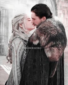 Game Of Thrones Queen, Got Game Of Thrones, T Games, I Love Games, Broken Song, A Dream Of Spring, Jon Snow And Daenerys, Game Of Thones, My Sun And Stars