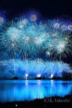 Blue fireworks by Takeshi Kanetake