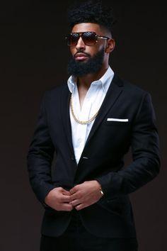 Modern Black Men Beard Styles Ideas For You 38 Black Men Beards, Handsome Black Men, Black Men In Suits, Black Man, Sharp Dressed Man, Well Dressed Men, Bart Styles, Gorgeous Black Men, Beautiful