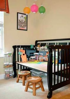 28 Inspirational Ways How to Repurpose Old Baby's Cribs - Baby Cribs , 28 Inspirational Ways How to Repurpose Old Baby's Cribs 28 Inspirational Ways How to Repurpose Old Babys Cribs DIY crib. Old Baby Cribs, Old Cribs, Repurposed Items, Repurposed Furniture, Diy Furniture, Vintage Furniture, Crib Desk, Diy Crib, Crib Mattress