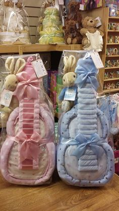 Our Nappy Cake Guitars :) Cute Baby Shower Gifts, Baby Shower Fun, Baby Shower Favors, Baby Gifts, Baby Showers, Baby Gift Hampers, Baby Hamper, Unique Diaper Cakes, Nappy Cakes