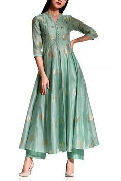 Pastel green tunic set - Koasheé by Shubhitaa - Designers Silk Kurti Designs, Kurta Designs Women, Kurti Designs Party Wear, Pakistani Dress Design, Pakistani Outfits, Indian Outfits, Stylish Dresses, Casual Dresses, Only Shirt