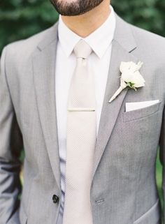 light gray and white elegant groom suit wedding ideas #menweddingsuits