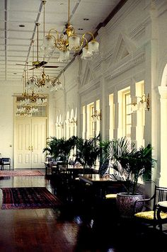 Raffles Hotel, british colonial: I've been to the Raffles in Singapore and Pnom Penh