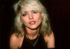 Debbie Harry of Blondie, Los Angeles, 1978 Debbie Harry Style, Blondie Debbie Harry, Blondie Heart Of Glass, Lynn Goldsmith, Morrison Hotel, Band Pictures, Blondies, Blue Hair, Music Artists