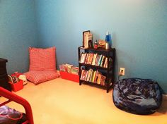 Mom's Magical Miles: Motherhood Monday: Makin' Progress on That Room For Two!  Kid's room reading nook