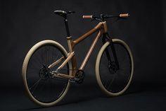 Magnifique vélo en bois par Granworks Wood Art   w3sh.com