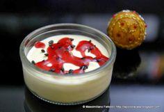 La Piccola Casa: Come preparare una vera delizia per le papille gustative: Zabaione soffice al moscato montato panna con cioccolato amaro e gelatina alla fragola