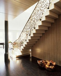 David Kleinberg staircase idea...elegant