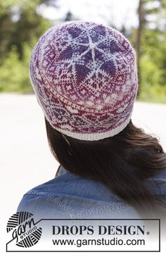 "- Knitted DROPS hat with pattern in ""Delight"" and ""Fabel"". - Free pattern by DROPS DesignMontreal - Knitted DROPS hat with pattern in ""Delight"" and ""Fabel"". - Free pattern by DROPS Design Fair Isle Knitting Patterns, Knitting Designs, Scarf Patterns, Knitting Tutorials, Motif Fair Isle, Fair Isle Pattern, Drops Design, Tejido Fair Isle, Mittens"